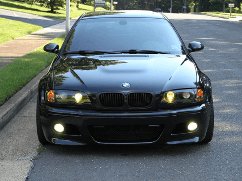 Amerikan park modifikasyonu uygulanmış bir BMW