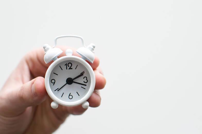 Alarmlı saat